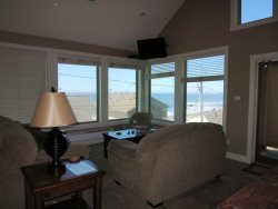 Lincoln City Beach House - Main Level Living Room - View